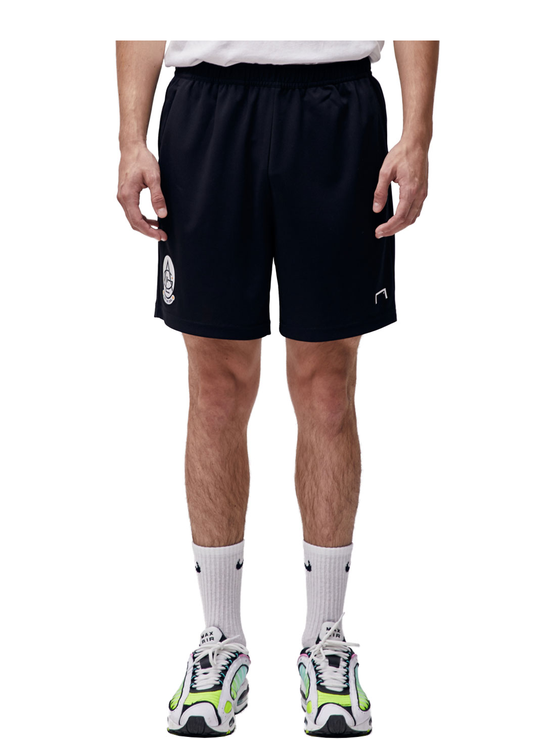 GOALSTUDIO PLAYER EMBLEM SHORTS - BLACK