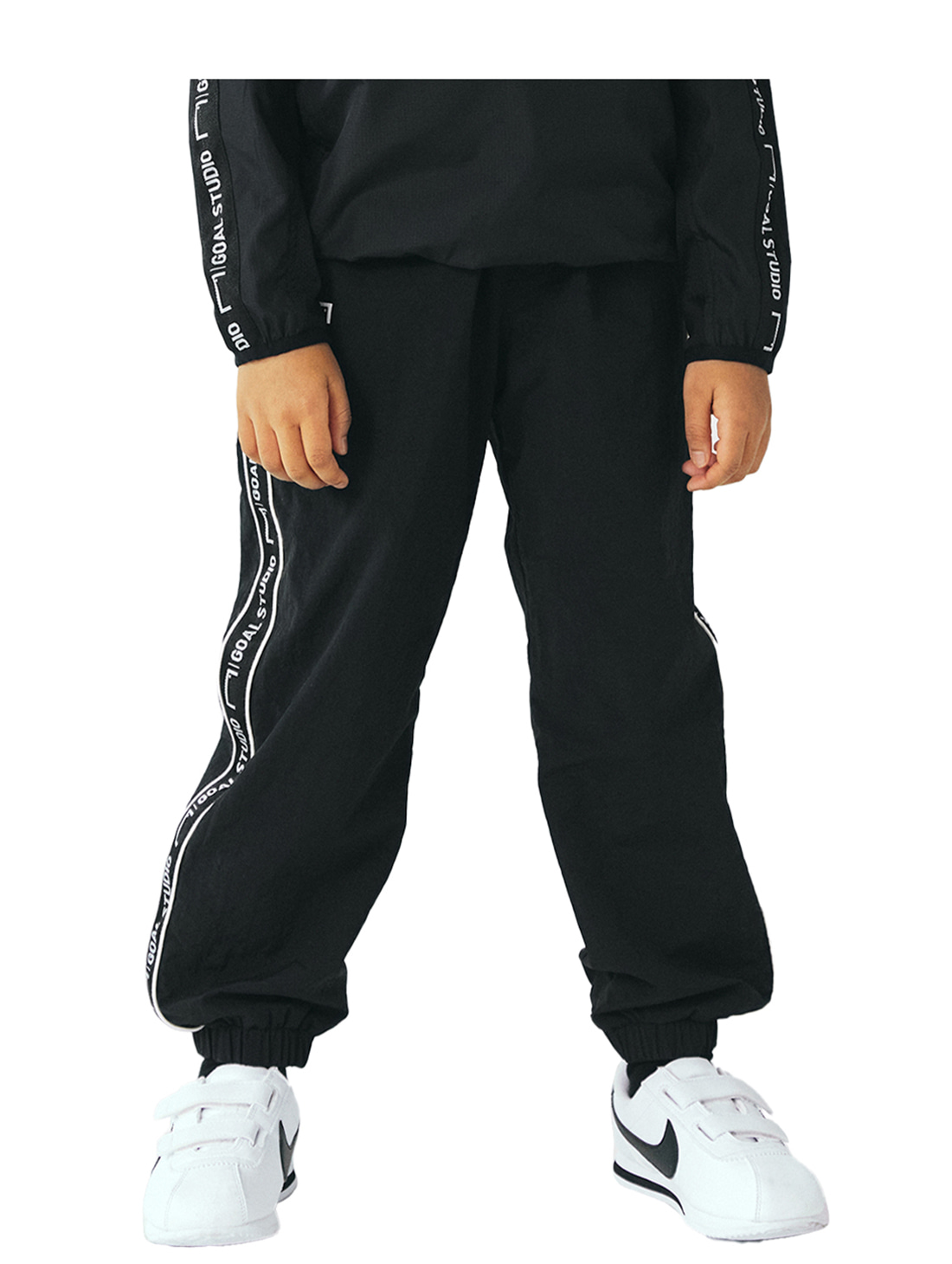 GOALSTUDIO (KIDS) SMALL LOGO TRACK PANTS - BLACK