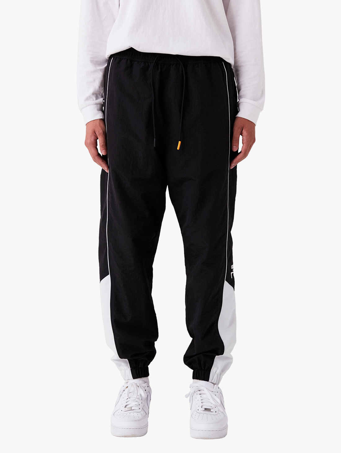 GOALSTUDIO (Sold Out) WWFC TRACK PANTS (2 Colors)